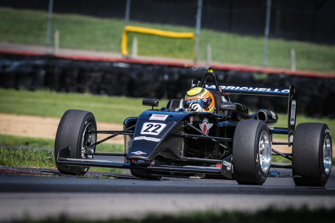 Barrichello (FOTO: Road to Indy)